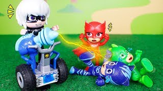 PJ Masks Toys ⚡ The tickles machine! 😮⚡😆