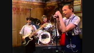 Joe Jackson - Live Sunday Papers Look Sharp Is She Really Going Out With Him (12-9-1982 Boston Mass)