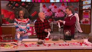 Clinton Kelly's Cookies and Cream Sweetheart | The Chew