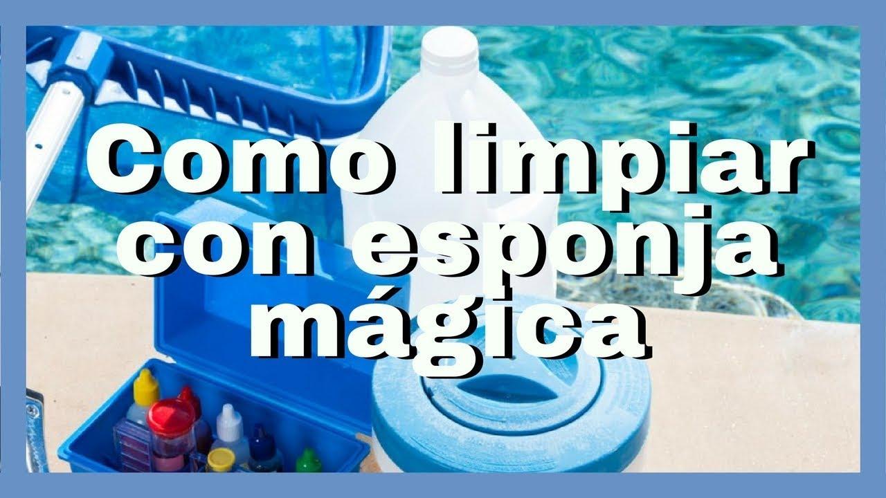 C mo limpiar la piscina con esponja m gica youtube for Como limpiar fondo piscina