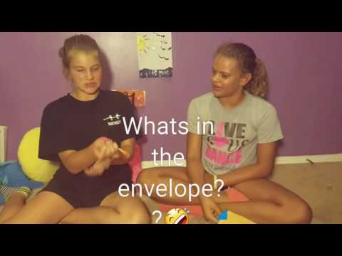A REAL SPIDER IN THE ENVELOPE! - Liv and gabbi video credit to Madelyn 😉