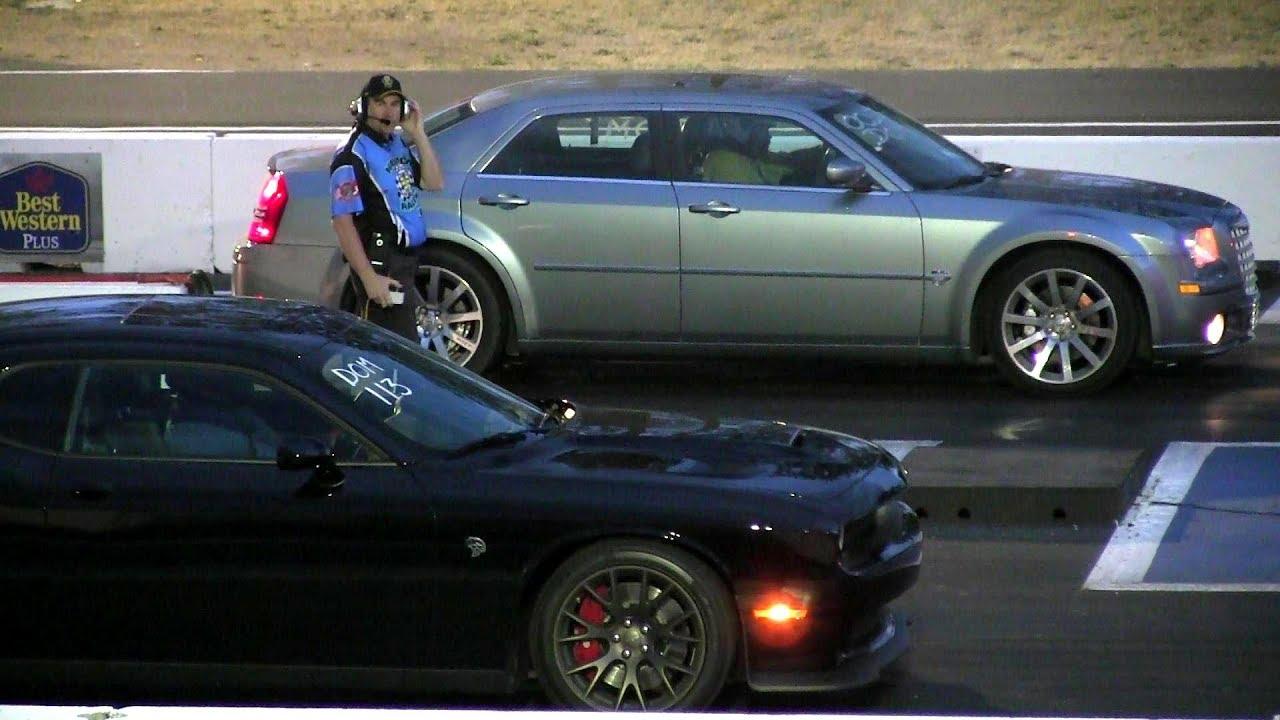 Chrysler Srt8 Vs Hellcat Drag Race 1 4 Mile Youtube