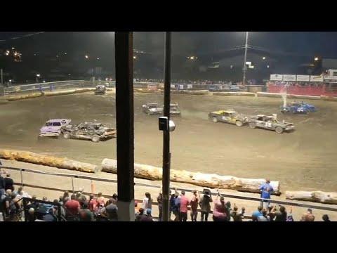 شاهد: سباق لإتلاف سيارات قديمة في أمريكا ينتهي بفاجعة !  - نشر قبل 2 ساعة