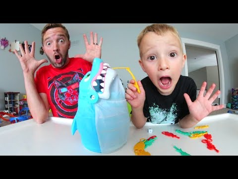 Thumbnail: FATHER SON PLAY SHARK BITE! / It Attacks!