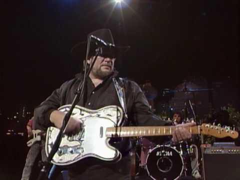 "Waylon Jennings - ""Luckenbach, Texas (Back To The Basics Of Love)"" [Live from Austin, TX]"