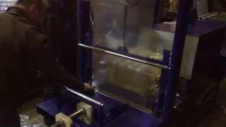Термотоннель с механическим запайщиком ТТ-15-ПАМ (групповая упаковка бутылок)(http://packtech.com.ua/oborudovanie/termousadochnye/termotonnel/tt-15-pam Термотоннель является оптимальным для групповой упаковки бутылок..., 2014-02-10T14:27:46.000Z)