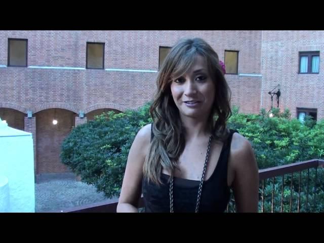 Sexy mamasita en sesion de fotos mostrando su vestido sexy - 2 6
