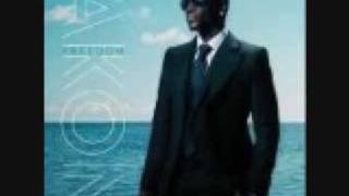 Akon-birthmark