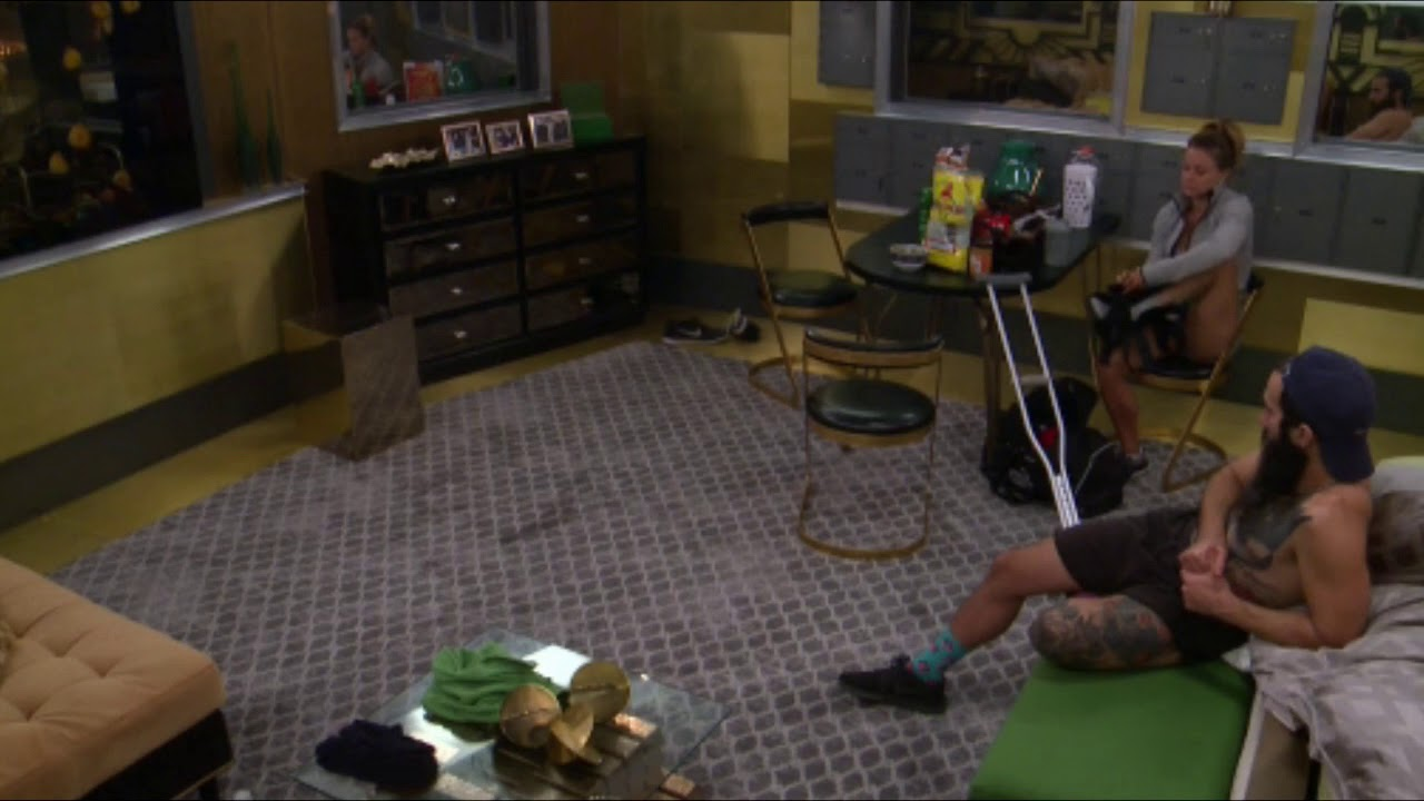 BB19 Christmas Takes Off Her Boot and Reveals Her Foot - YouTube