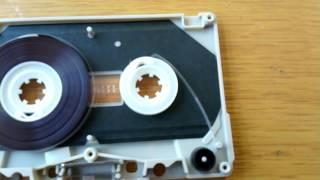 吉川晃司さんのカセットテープと、部品取りのカセットテープもバラし終...