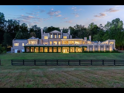 17+ Acre European Estate -1040 W Conway Dr