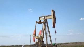 Parshall Field ND Bakken oil well