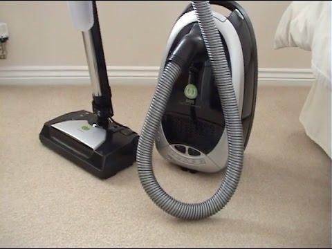 Wertheim 4435 Vacuum Cleaner Demonstration