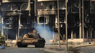 СИРИЯ. Танковые бои по улицам мирных городов Сирии. Документальное видео