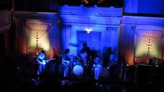 "Deerhunter - Bo Diddley groove + ""Pensacola"" LIVE 4/22/13"