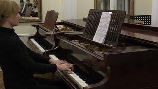 В старейшей музыкальной школе Петербурга цены за обучение подняли в 26 раз