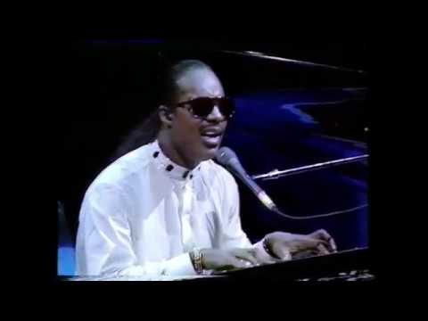 Stevie Wonder - Love's In Need Of Love Today (Live)