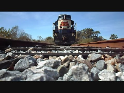 florida-gulf-coast-train-side-&-under-views-coming-&-going