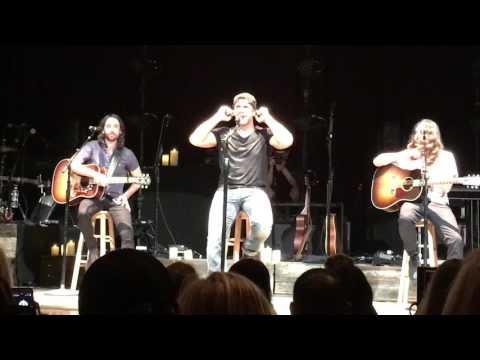 Billy Currington, (acoustic) Must Be Doing Something Right, Don't House of Blues, Houston, 4/20/2017