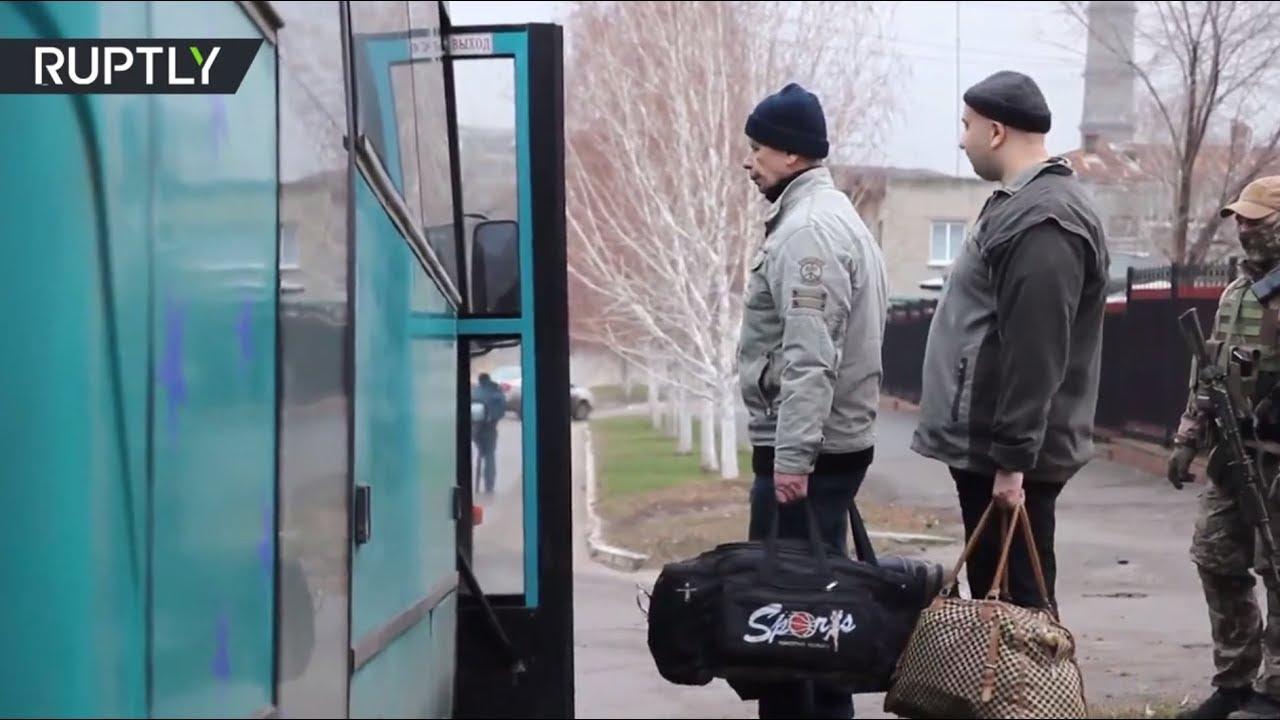 Видеокадры процесса обмена пленными на Донбассе
