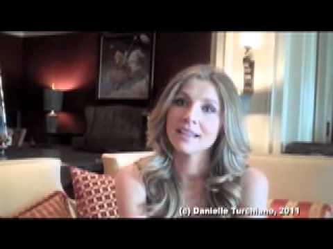 Sarah Chalke interviewed about 'How I Met Your Mother' & 'Mad Love'