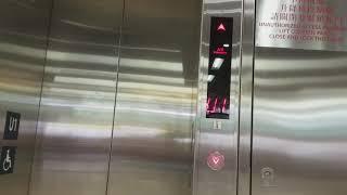 港鐵粉嶺站KONE升降機 (大堂往往紅磡列車)