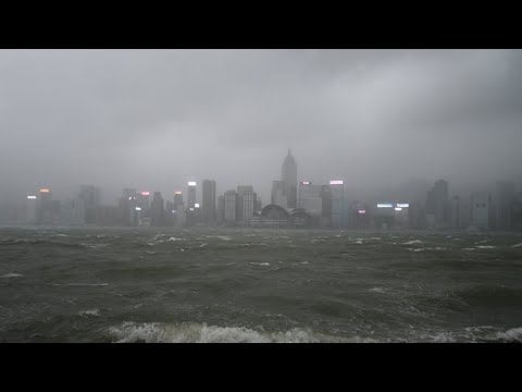 Deadly Typhoon Hato lashes Macau and Southern China