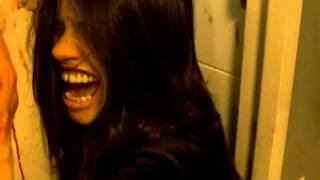 À l'intérieur aka Inside (2007) - Trailer