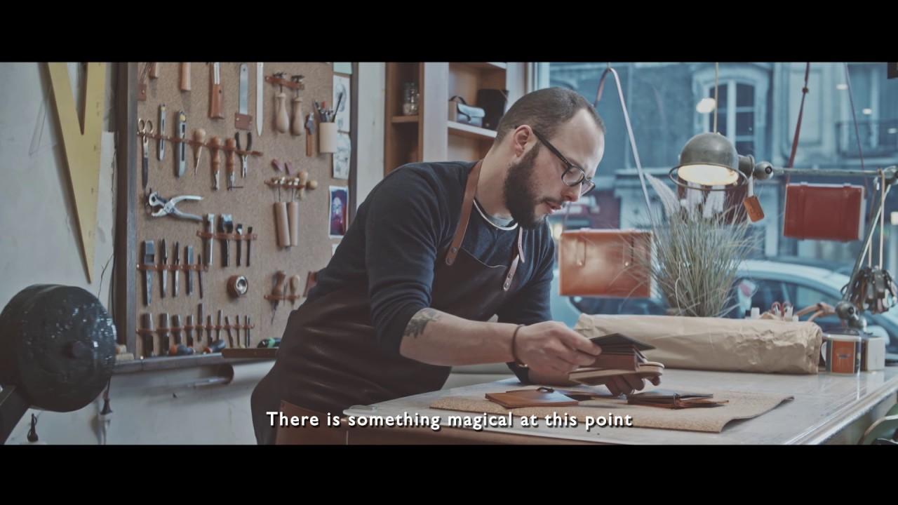 Dans l\'intimité de l\'atelier d\'art de Damien Béal, maroquinier ...