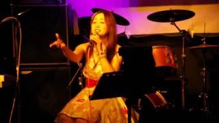 演歌の旅人・森川ゆきさん ヨコハマ秋のライブです。 森川ゆきさんの歌...