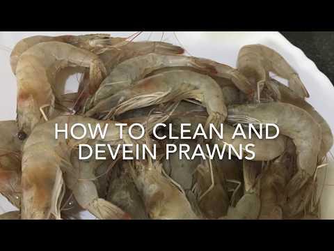 How to clean and devein Prawns - झींगे को कैसे साफ़ और devein करें