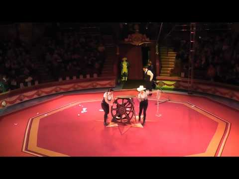 Circus show | Amazing Circus Borophy's Lasso And Welt Welleenflug