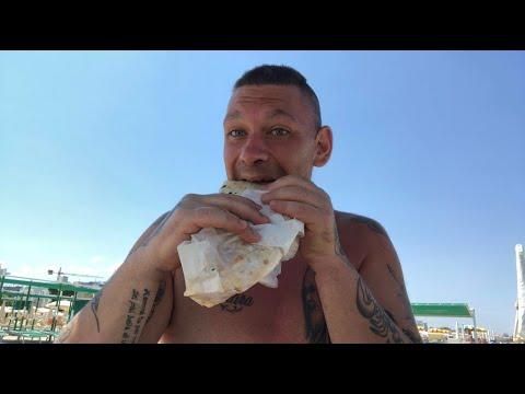 mega-eating-show-mukbang-ita-estremo-fatto-in-spiaggia-con-piadina-romagnola!!!!