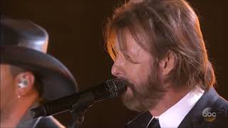Brooks and Dunn plus Jason Aldean perform