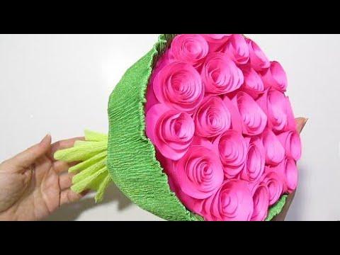 Букет с конфетами. Цветы из конфет. Розы из конфет Поделки из бумаги на 8 марта своими руками.