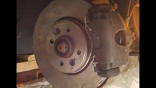 Tuto : Changer disques et plaquettes frein sur Renault Megane Scenic 2