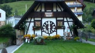1.Weltgrösste Kuckucksuhr in Deutschland - 1.Cuckoo-Clocks in Germany