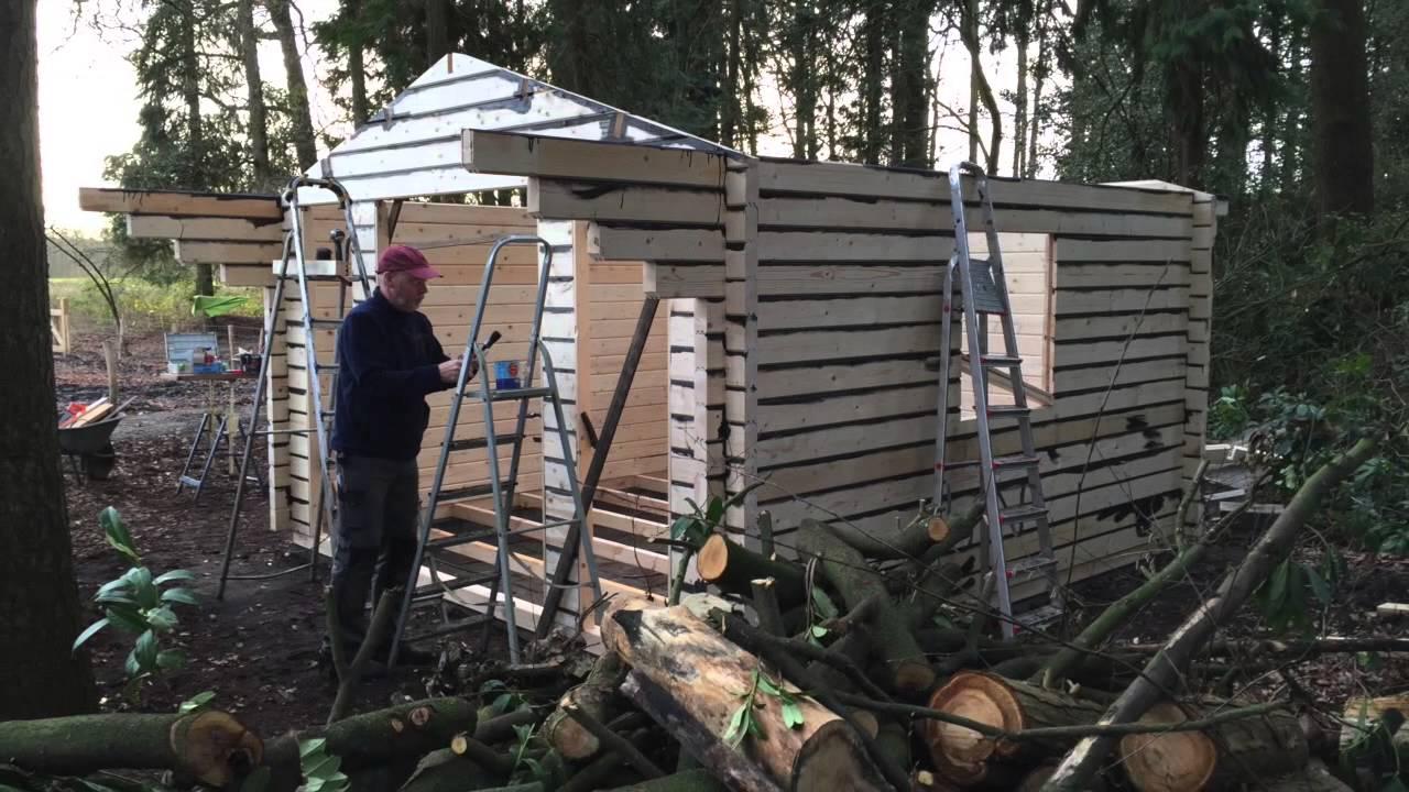 Zelf Tuinhuis Bouwen : Zelf een tuinhuisje bouwen youtube
