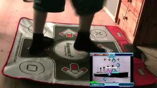 игра на танцевальном коврике подключенном к компьютеру
