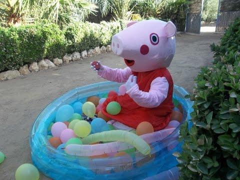 Peppa pig espa ol english piscina de globos hd juguetes y for Pepa en la piscina