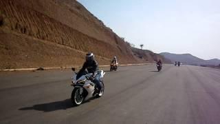 Superbikes entrando en la pista - Piques Píritu