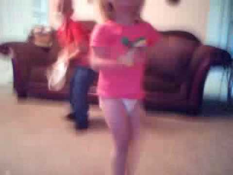 Little Kids Dancing To Apple Bottom Jeans - YouTube