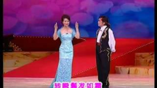 """著名粤语相声演员黄俊英于2003年8月23~24日晚在广州友谊剧院举行""""笑坛..."""