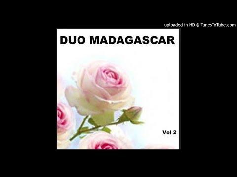 HANDRESY NY HIRATSIKA--DUO NJILA & ROSSY--2008