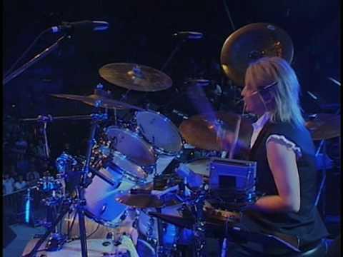 Beyond - 海闊天空 (2003 Live)