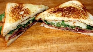 Сэндвич с грушей и козьим сыром / Sandwich with pear and goat cheese