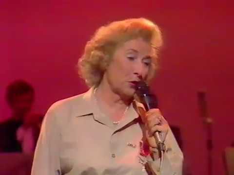 Dame Vera Lynn   'The White Cliffs Of Dover' + 'We'll Meet Again'  1984