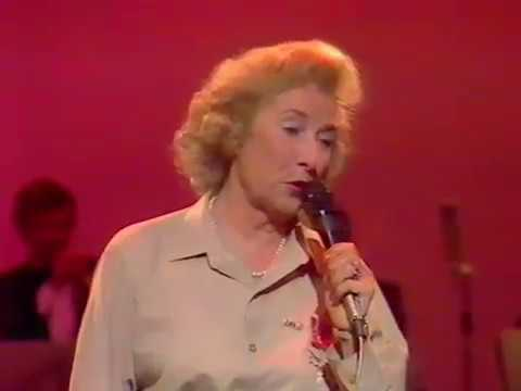 Dame Vera Lynn   'The White Cliffs Of Dover' + 'We'll Meet Again'  1984