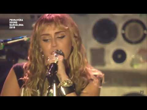 Miley Cyrus - Party Up The Street (Live Primavera Sound)