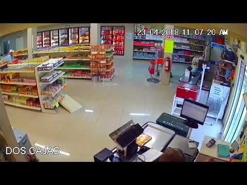 Hero Saves the Day During Store Altercation in Monterrey, México